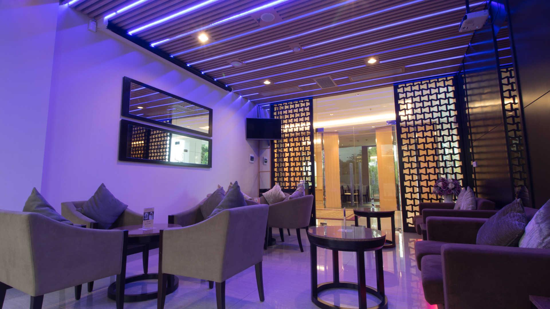 Magnificent Gtv Hotel Cikarang Inzonedesignstudio Interior Chair Design Inzonedesignstudiocom